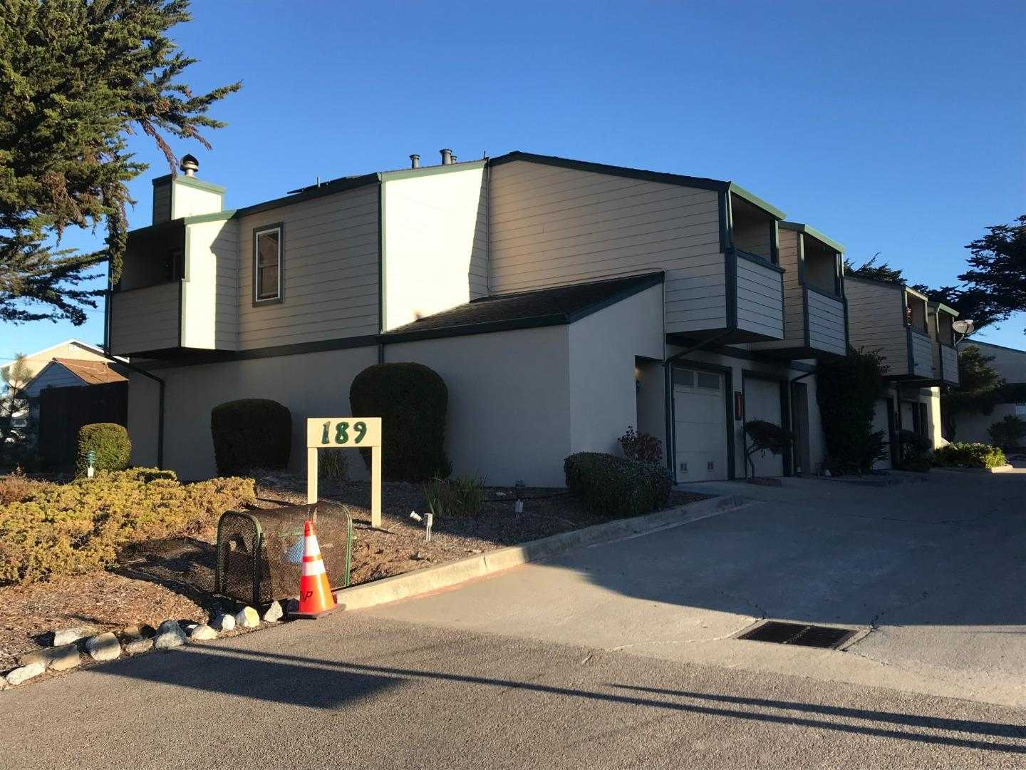 $409,000 - 3Br/2Ba -  for Sale in Marina