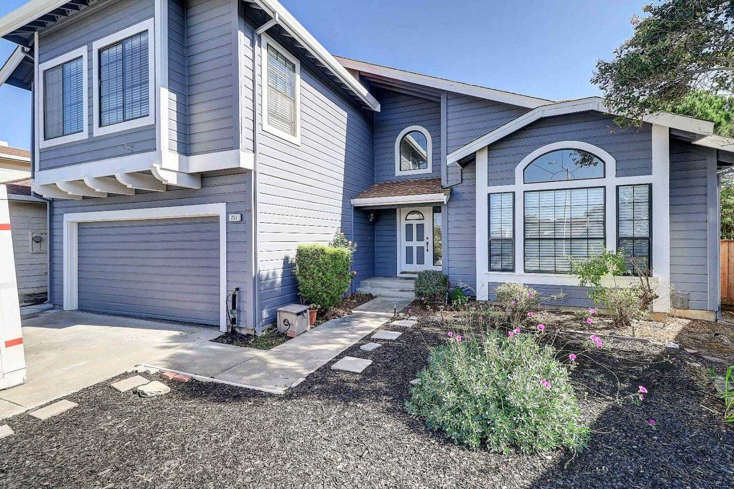 $1,100,000 - 4Br/3Ba -  for Sale in Pacifica