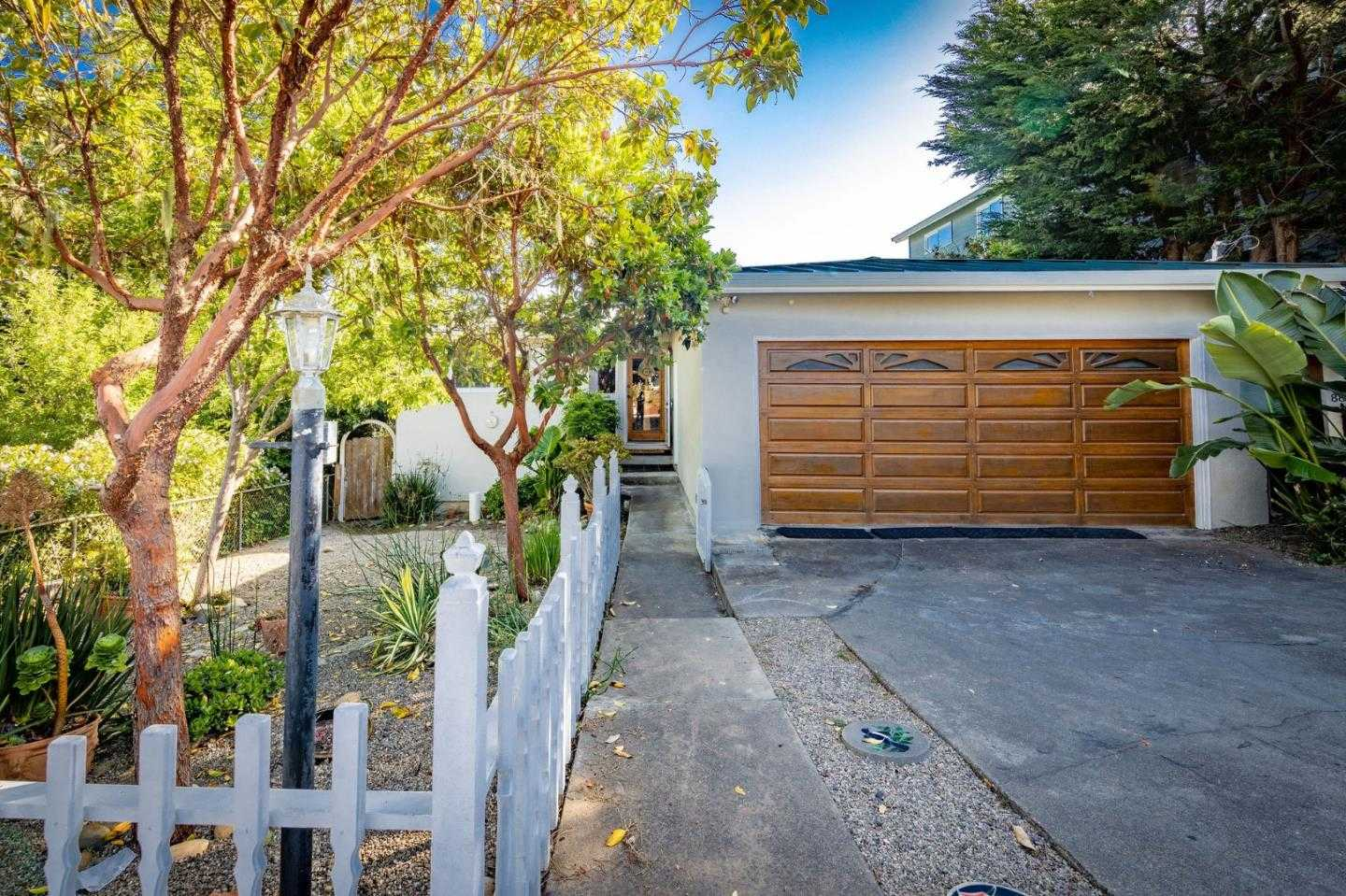 $899,999 - 3Br/2Ba -  for Sale in Moss Beach