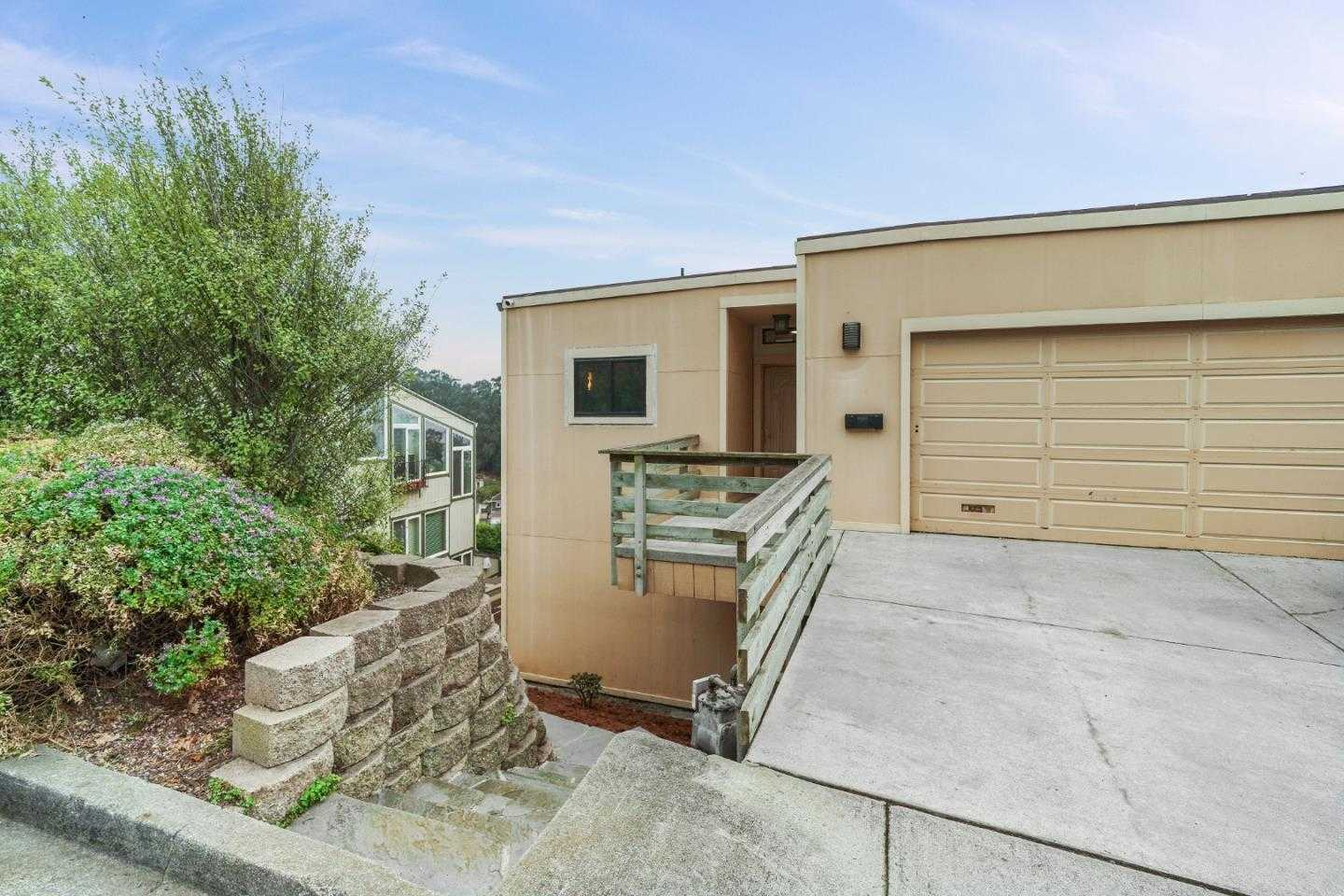 $1,198,000 - 5Br/5Ba -  for Sale in Pacifica
