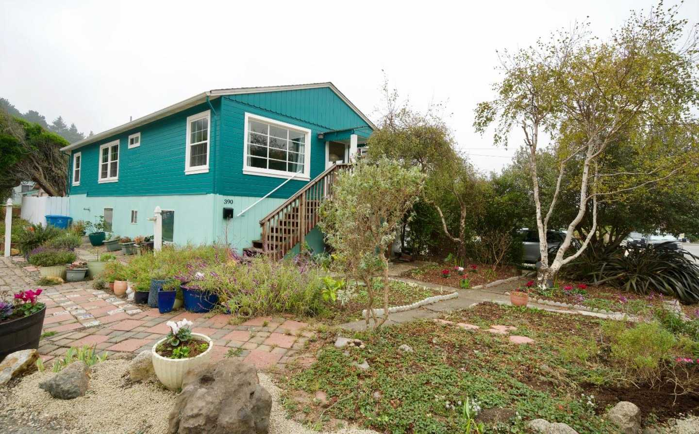 $889,000 - 3Br/1Ba -  for Sale in Pacifica