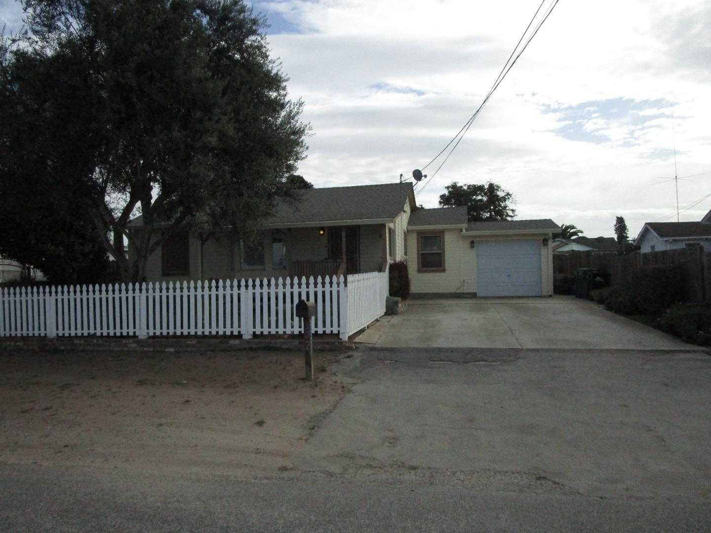 $449,000 - 3Br/2Ba -  for Sale in Salinas