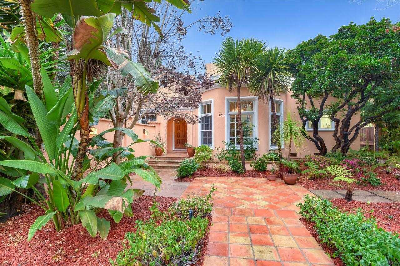 $4,385,000 - 4Br/4Ba -  for Sale in Palo Alto