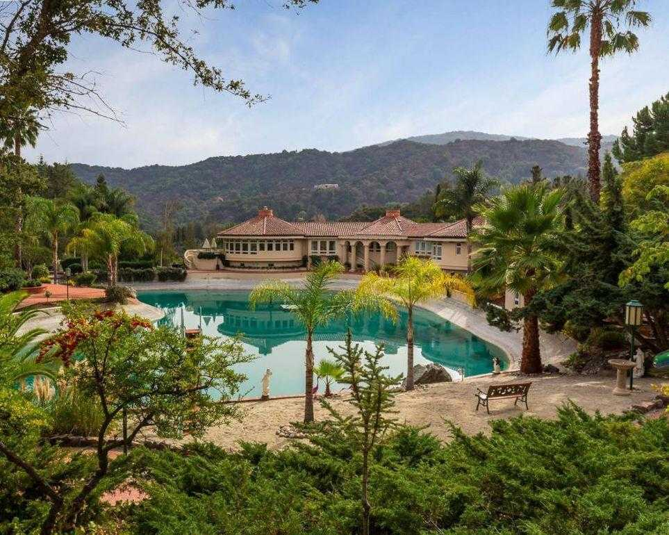 $19,888,000 - 4Br/5Ba -  for Sale in Los Altos Hills