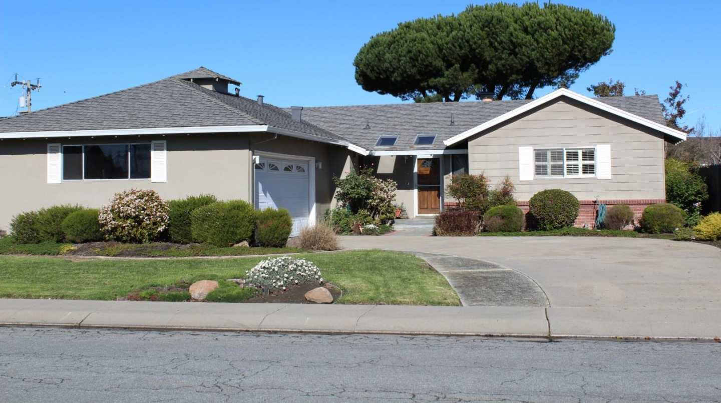 $605,000 - 4Br/2Ba -  for Sale in Salinas