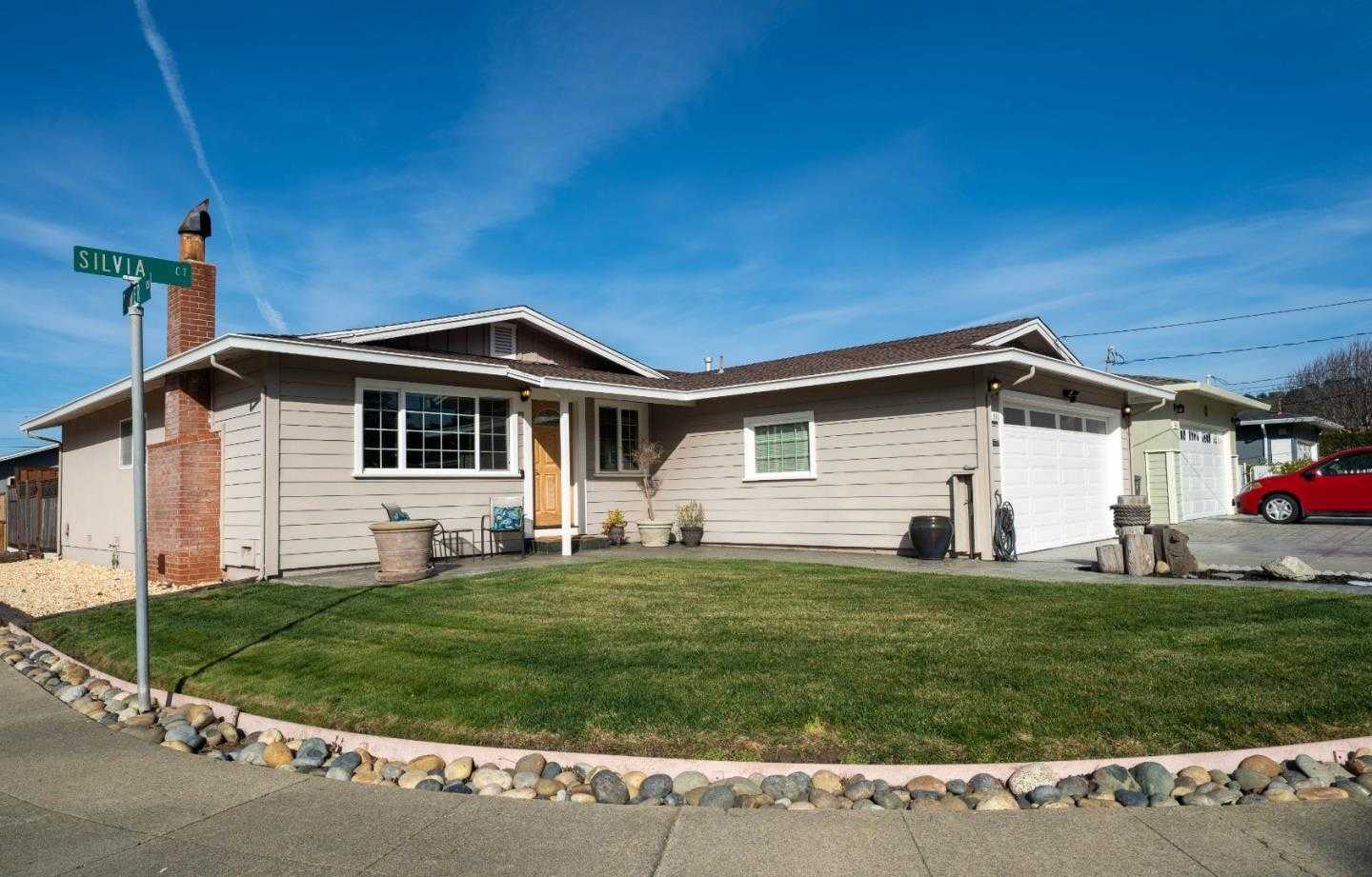 $949,000 - 3Br/2Ba -  for Sale in Pacifica
