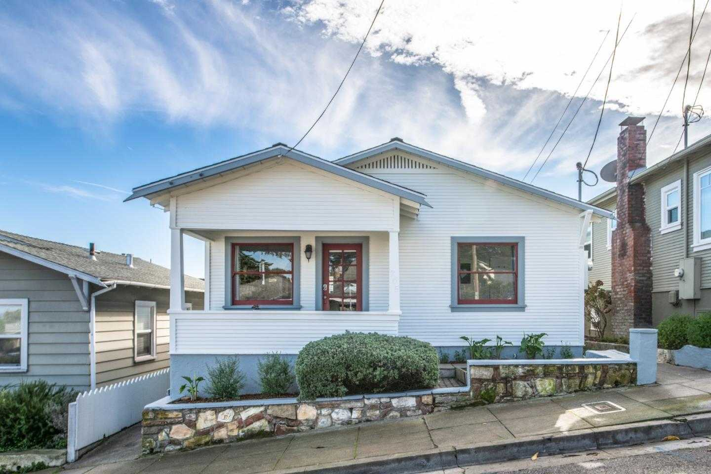 $850,000 - 3Br/2Ba -  for Sale in Pacific Grove