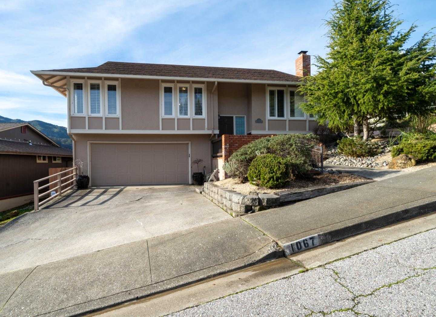 $1,098,000 - 3Br/3Ba -  for Sale in Pacifica