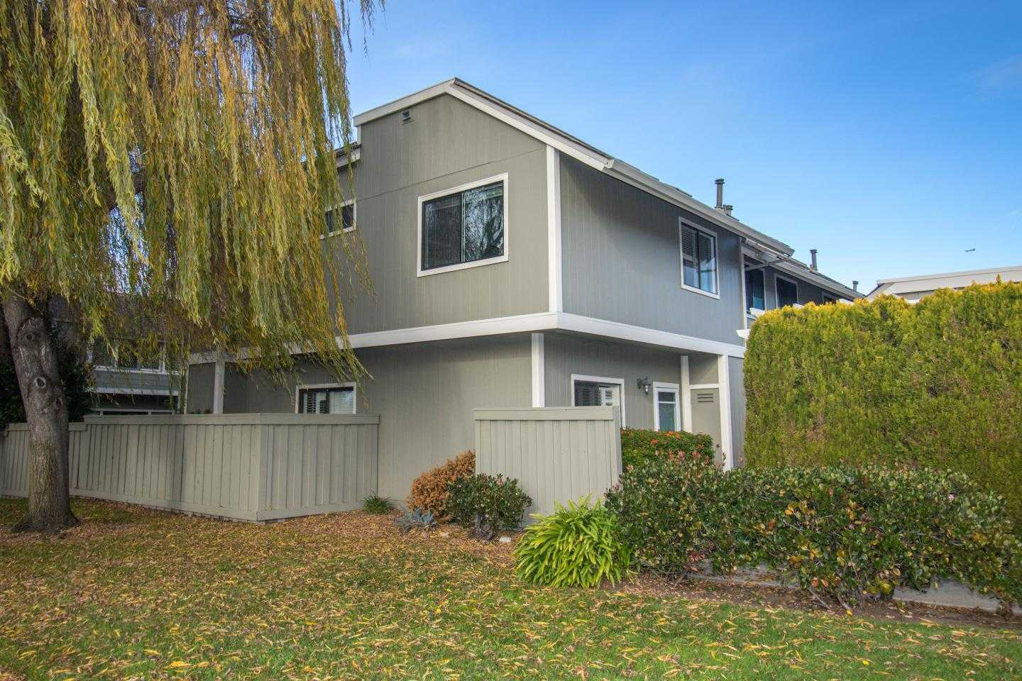 $1,248,000 - 3Br/3Ba -  for Sale in Foster City