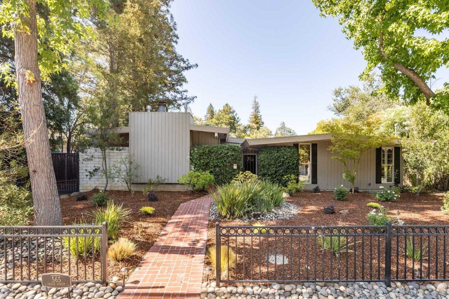 $3,988,000 - 5Br/3Ba -  for Sale in Menlo Park