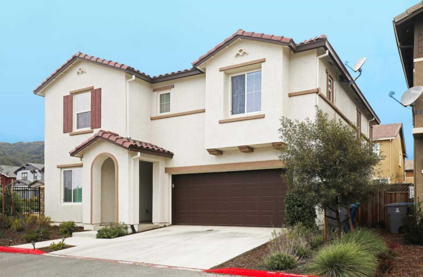$849,900 - 4Br/3Ba -  for Sale in Gilroy