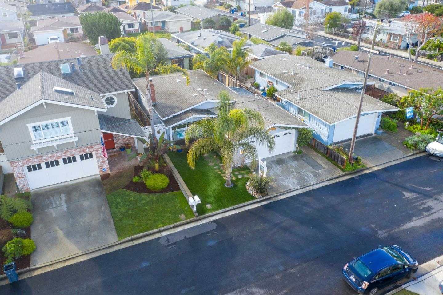 $1,137,000 - 2Br/1Ba -  for Sale in Capitola