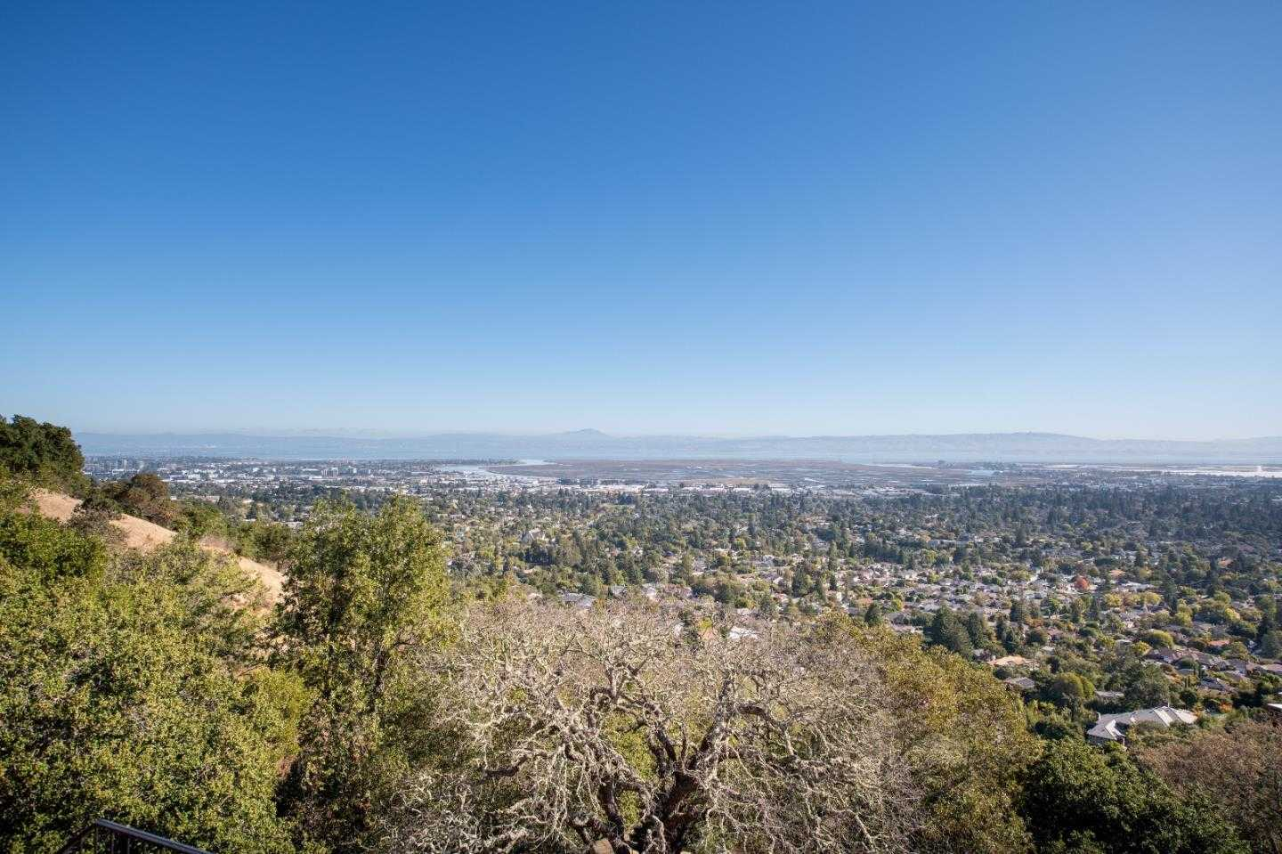 $2,400,000 - 3Br/3Ba -  for Sale in Redwood City