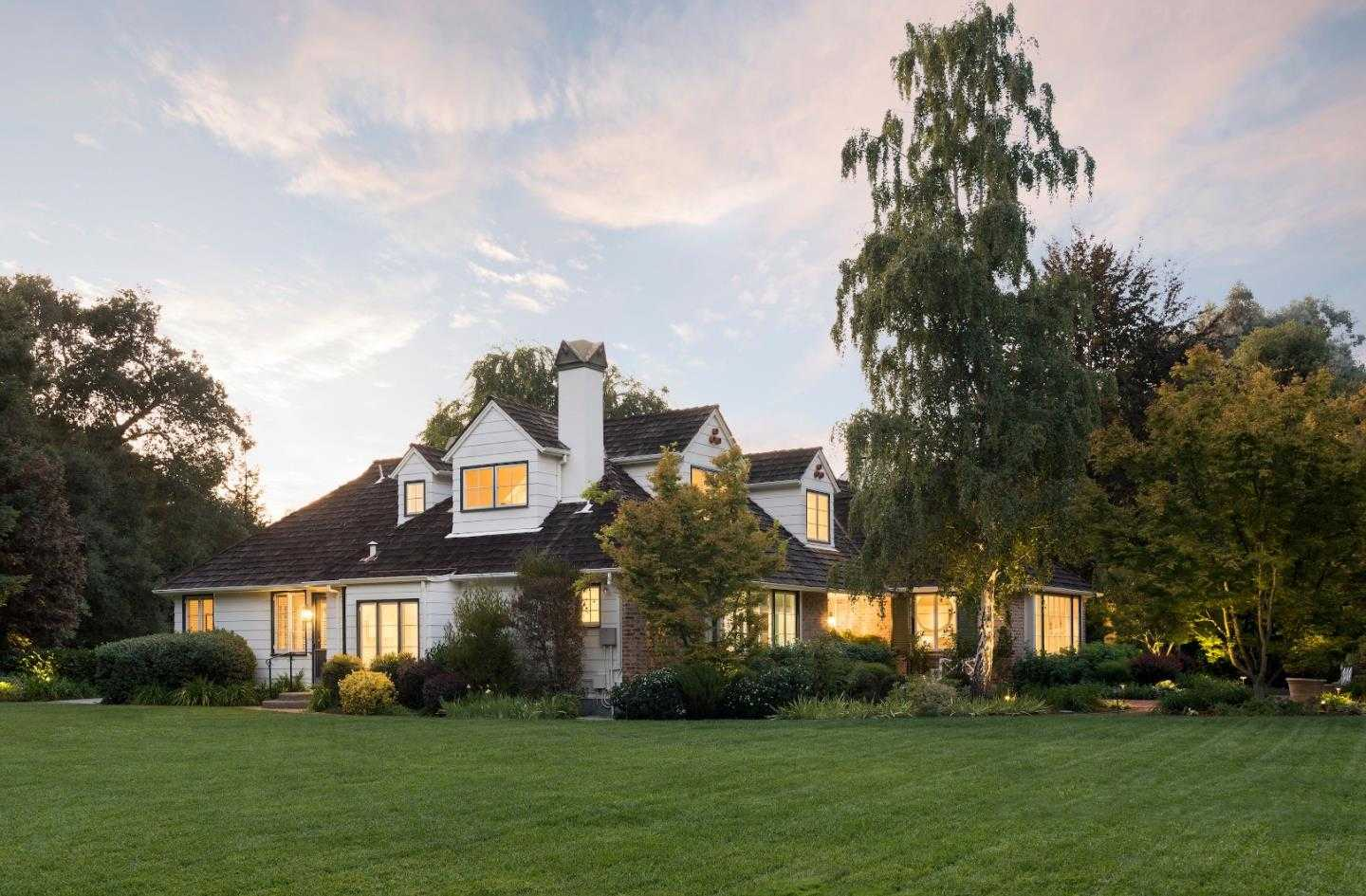 $13,988,000 - 6Br/7Ba -  for Sale in Atherton