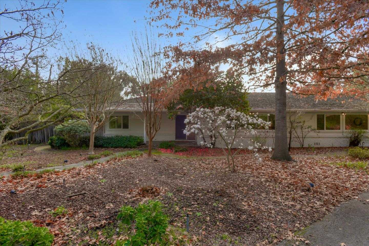 $4,988,800 - 4Br/3Ba -  for Sale in Atherton