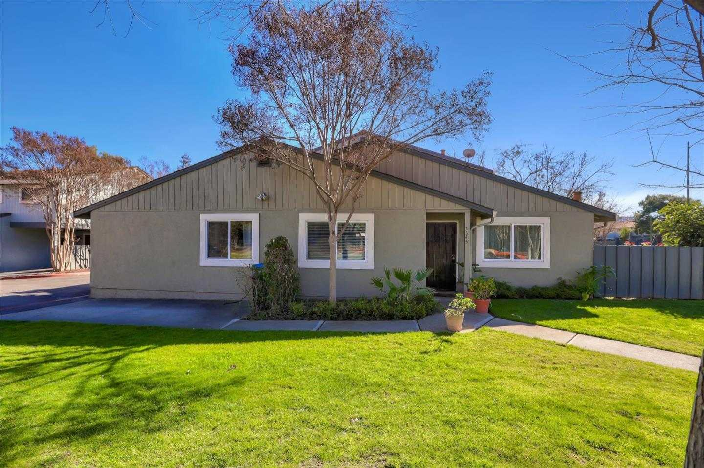 $900,000 - 2Br/1Ba -  for Sale in San Jose