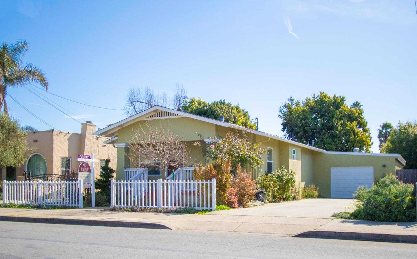 $599,500 - 3Br/2Ba -  for Sale in Watsonville