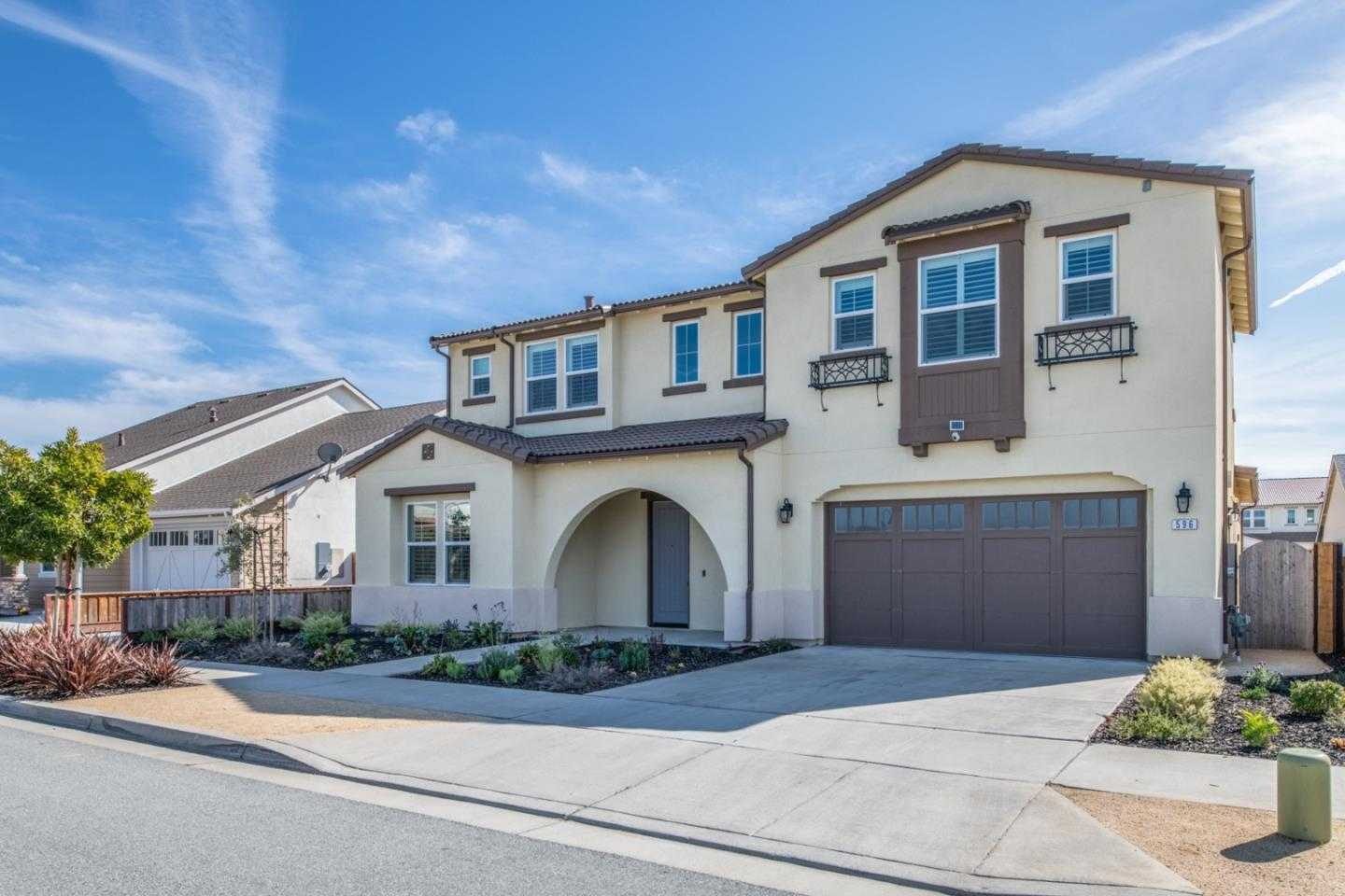 $1,262,000 - 7Br/4Ba -  for Sale in Marina