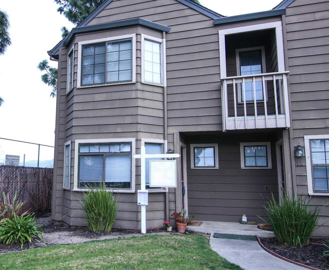 $328,000 - 2Br/2Ba -  for Sale in Hollister