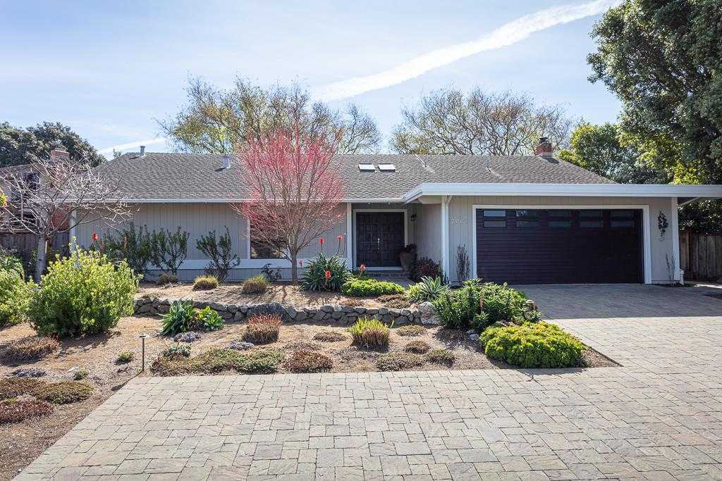 2061 Touraine LN HALF MOON BAY, CA 94019