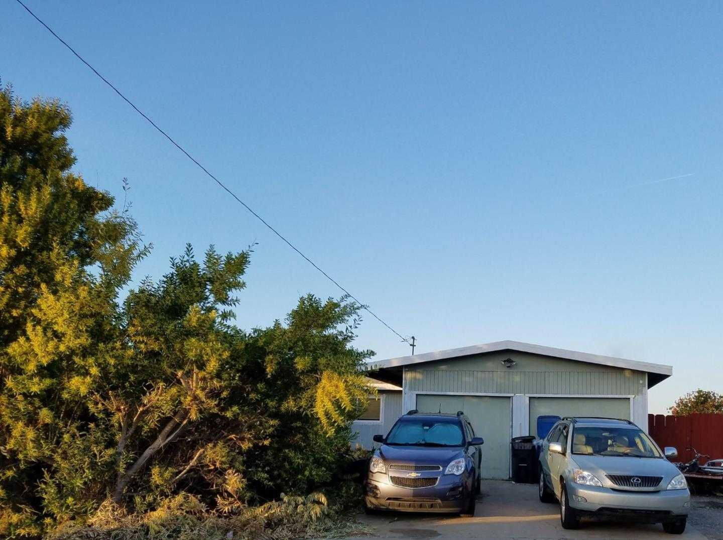 $470,000 - 4Br/2Ba -  for Sale in Marina