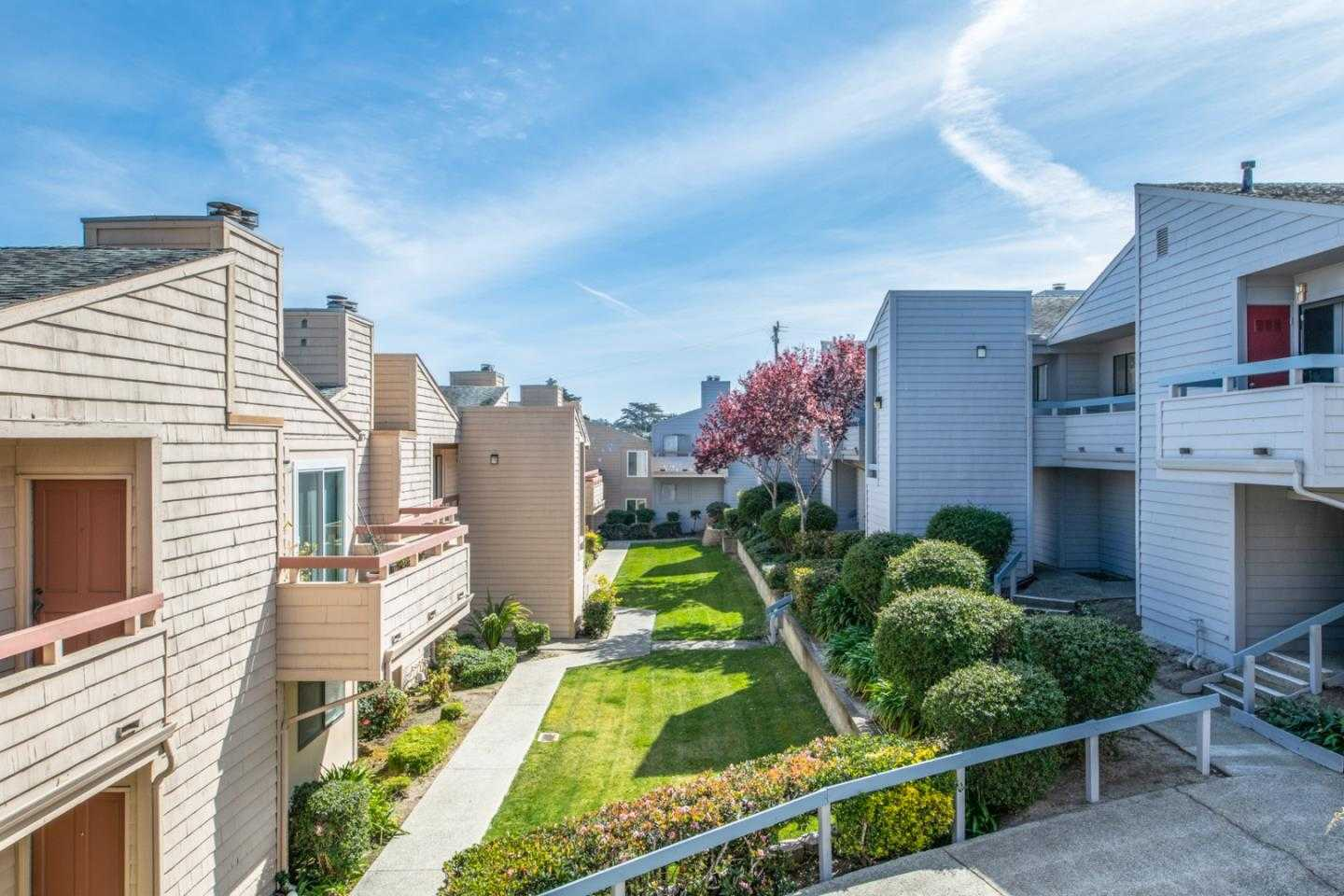 $395,000 - 2Br/2Ba -  for Sale in Marina