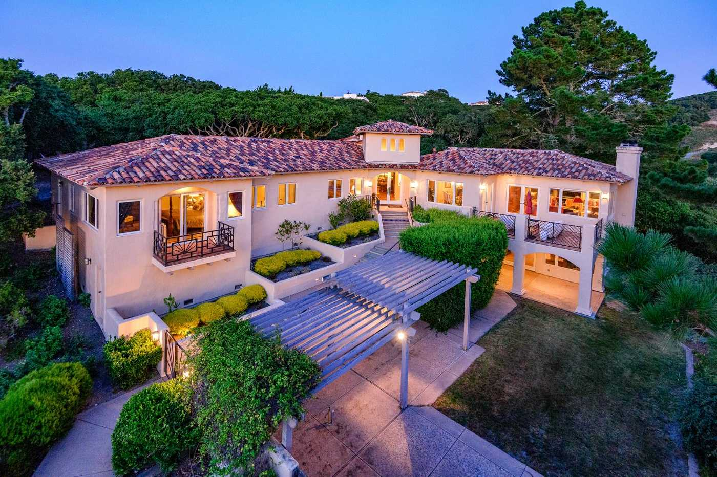 $1,849,000 - 5Br/4Ba -  for Sale in Monterey