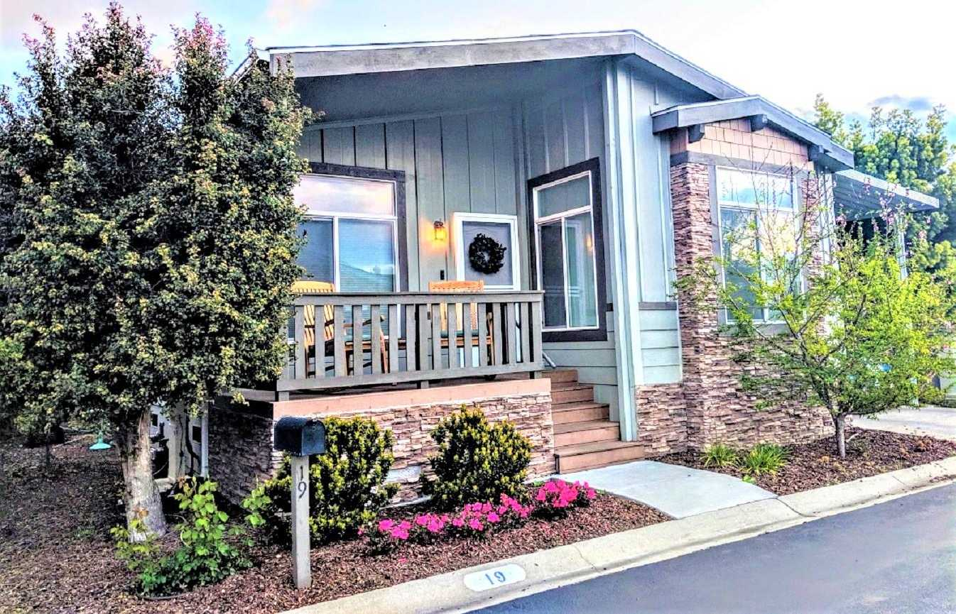 $349,900 - 2Br/2Ba -  for Sale in Mountain View