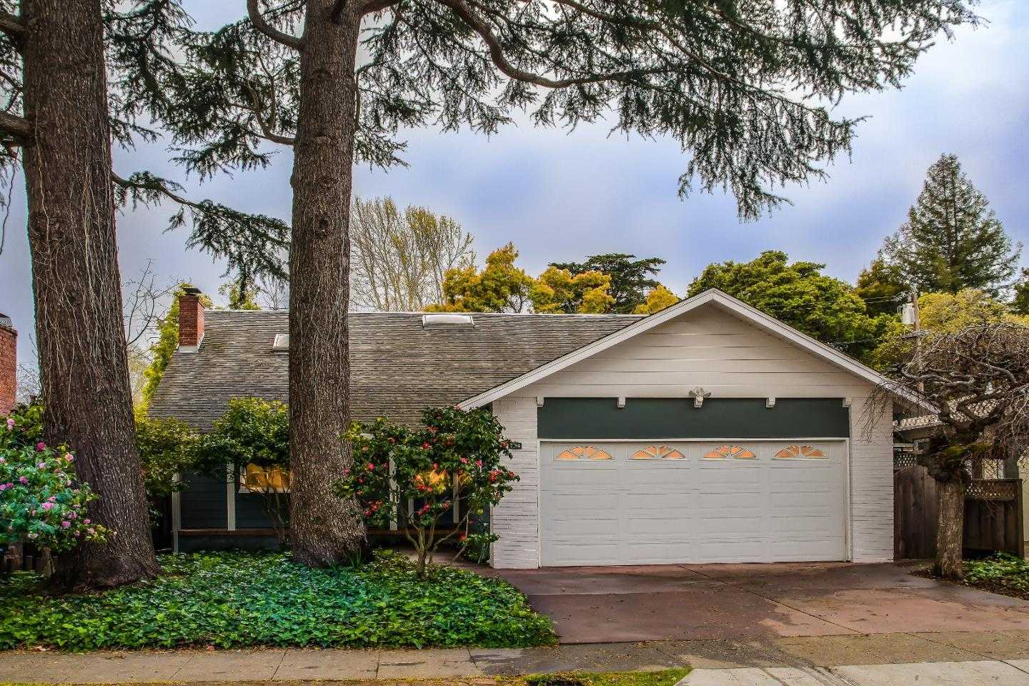 $2,650,000 - 5Br/3Ba -  for Sale in Burlingame