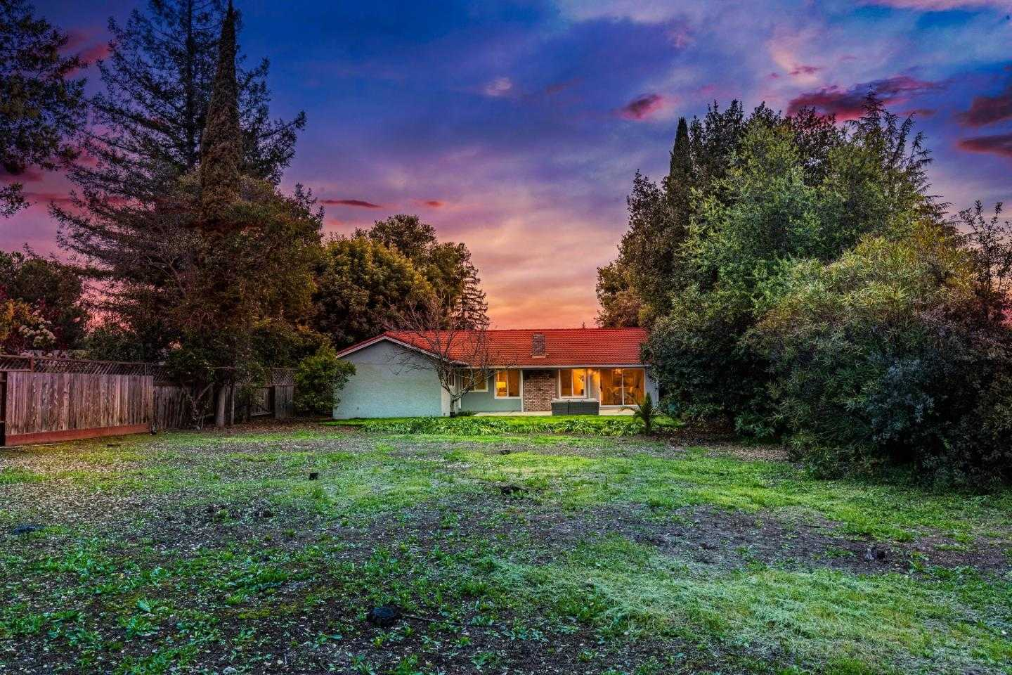 $3,799,000 - 4Br/2Ba -  for Sale in Los Altos