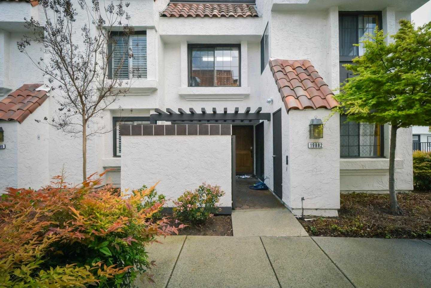 $1,200,000 - 2Br/3Ba -  for Sale in Cupertino