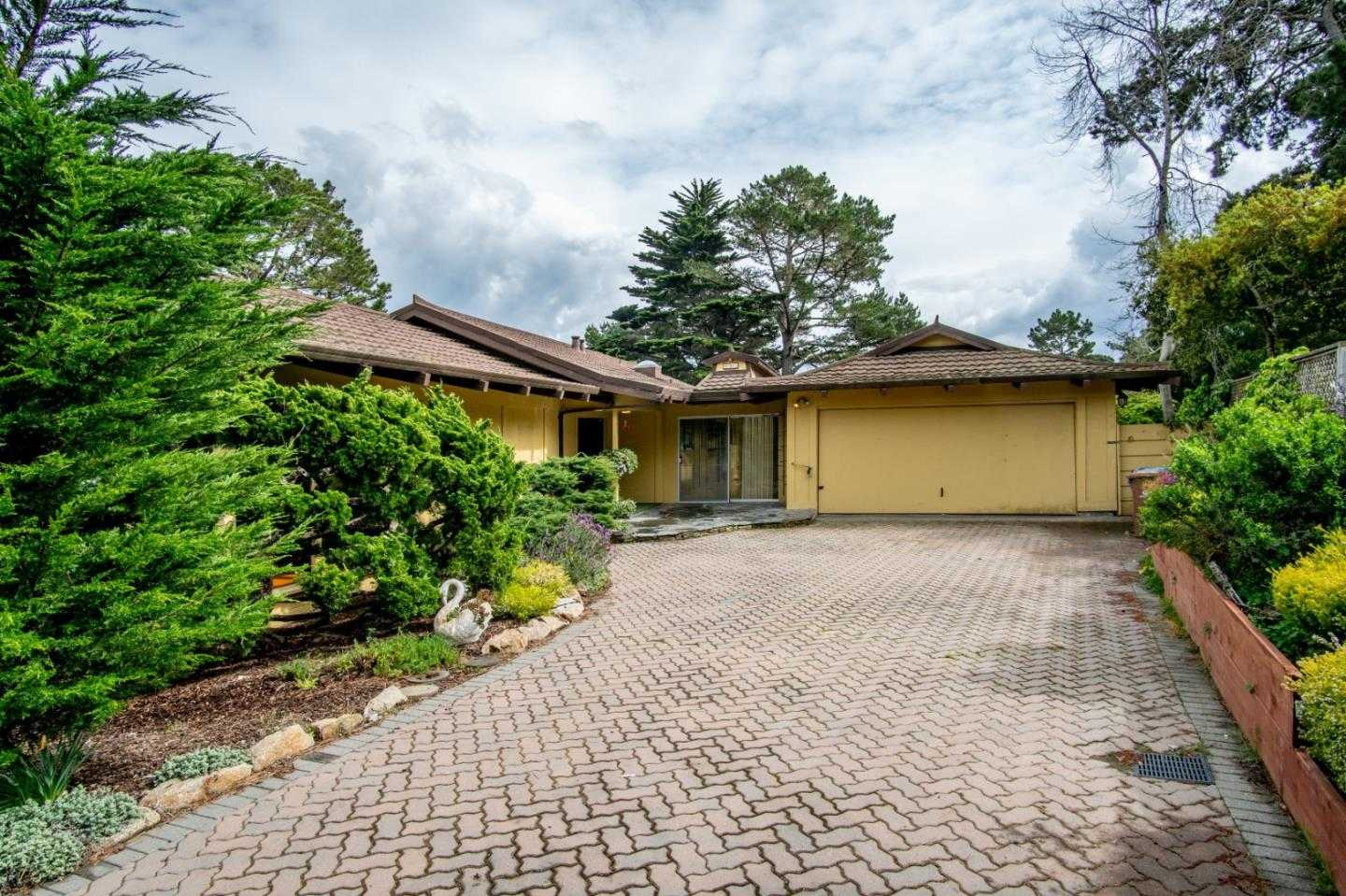 $880,000 - 4Br/2Ba -  for Sale in Monterey