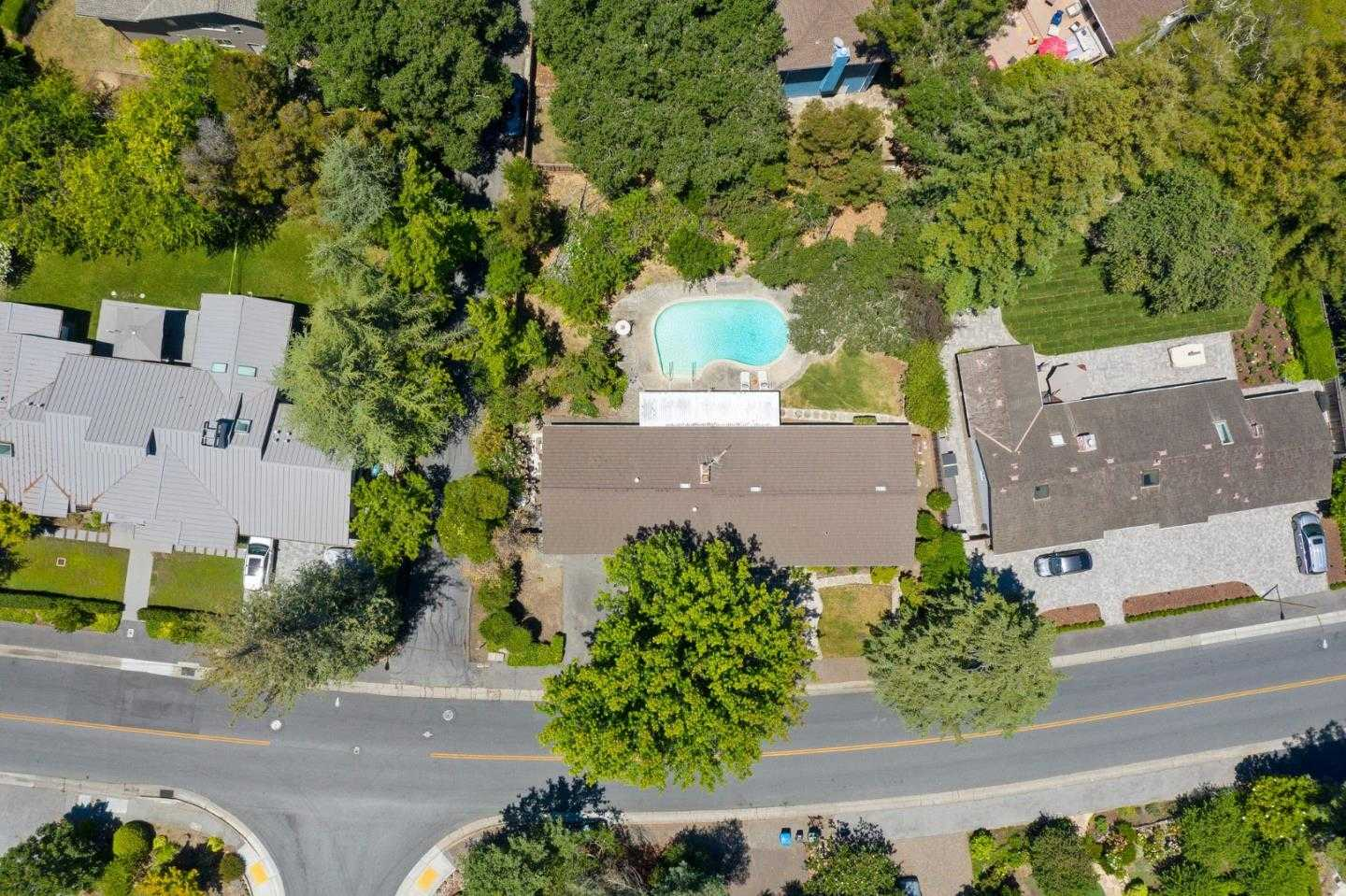 $2,998,888 - 3Br/3Ba -  for Sale in Menlo Park