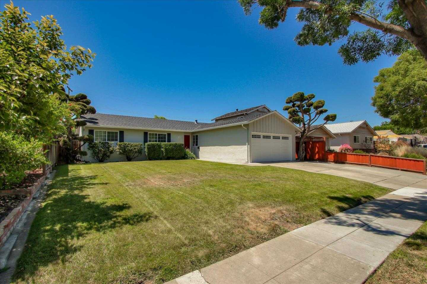 $995,000 - 3Br/2Ba -  for Sale in San Jose