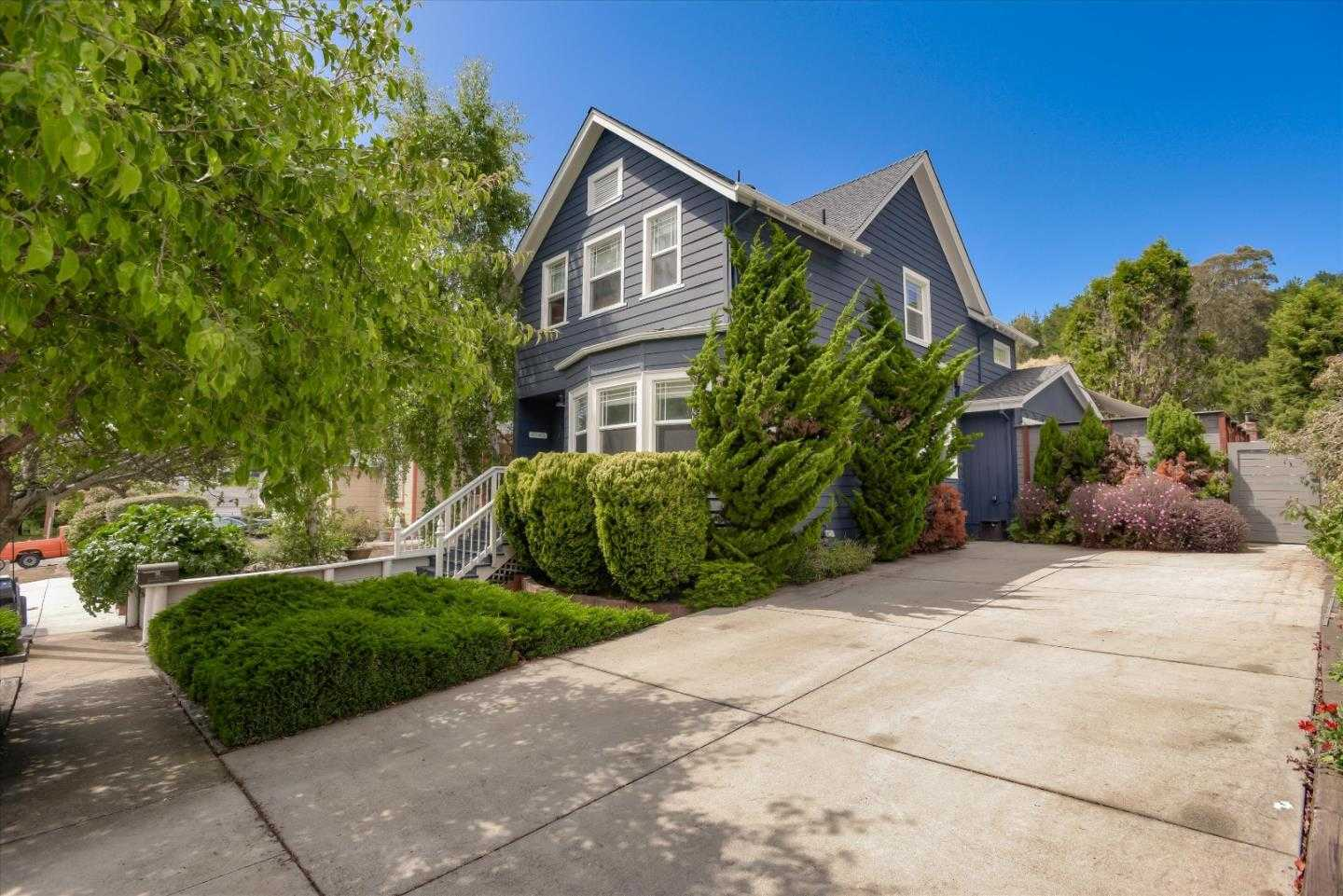 $1,398,000 - 3Br/3Ba -  for Sale in Pacifica