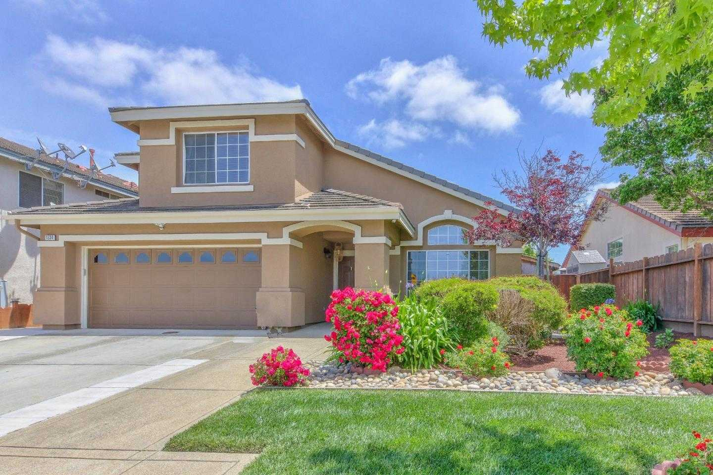 $587,000 - 4Br/3Ba -  for Sale in Salinas