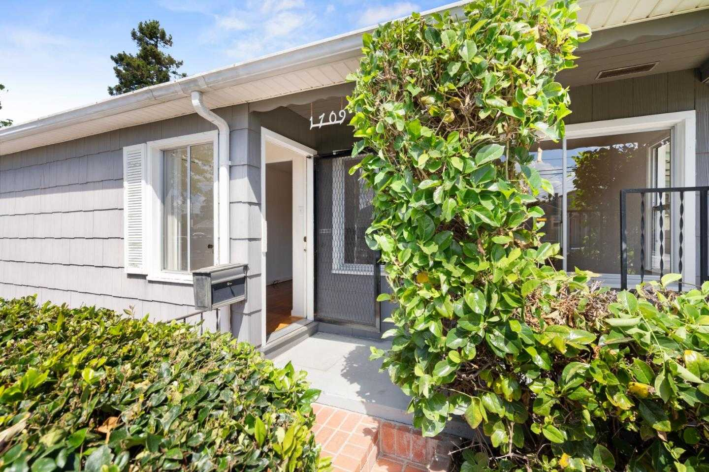 $1,050,000 - 4Br/2Ba -  for Sale in San Mateo