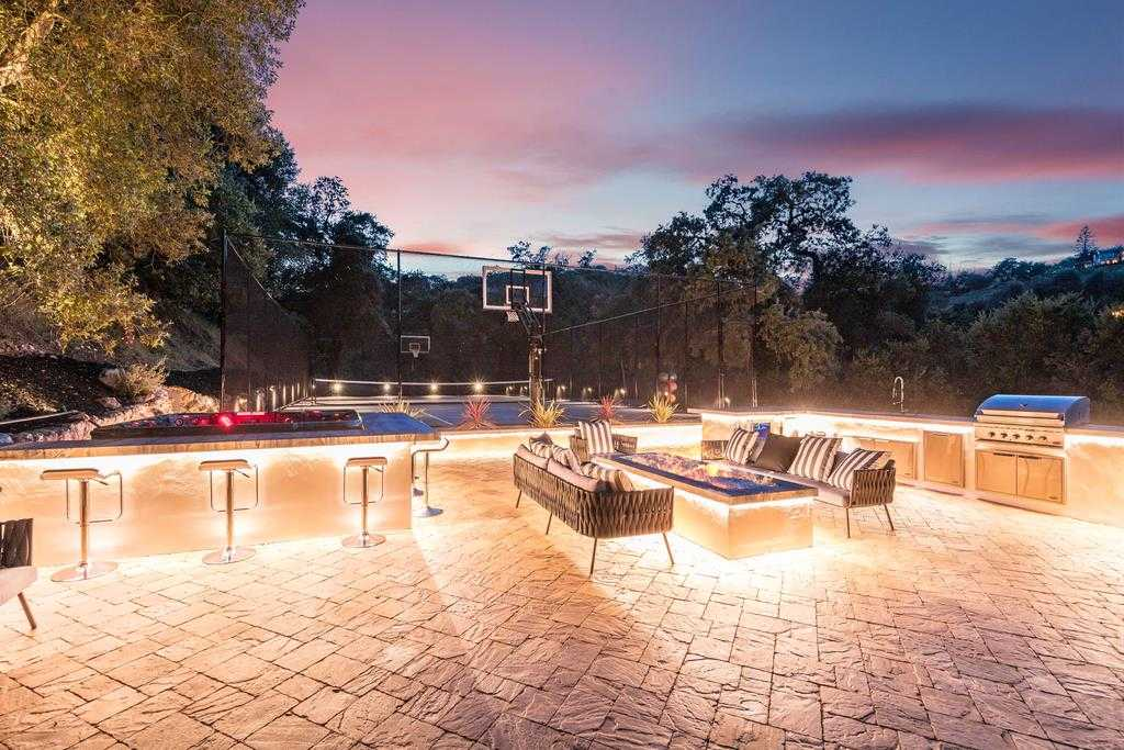$7,500,000 - 5Br/7Ba -  for Sale in Los Gatos
