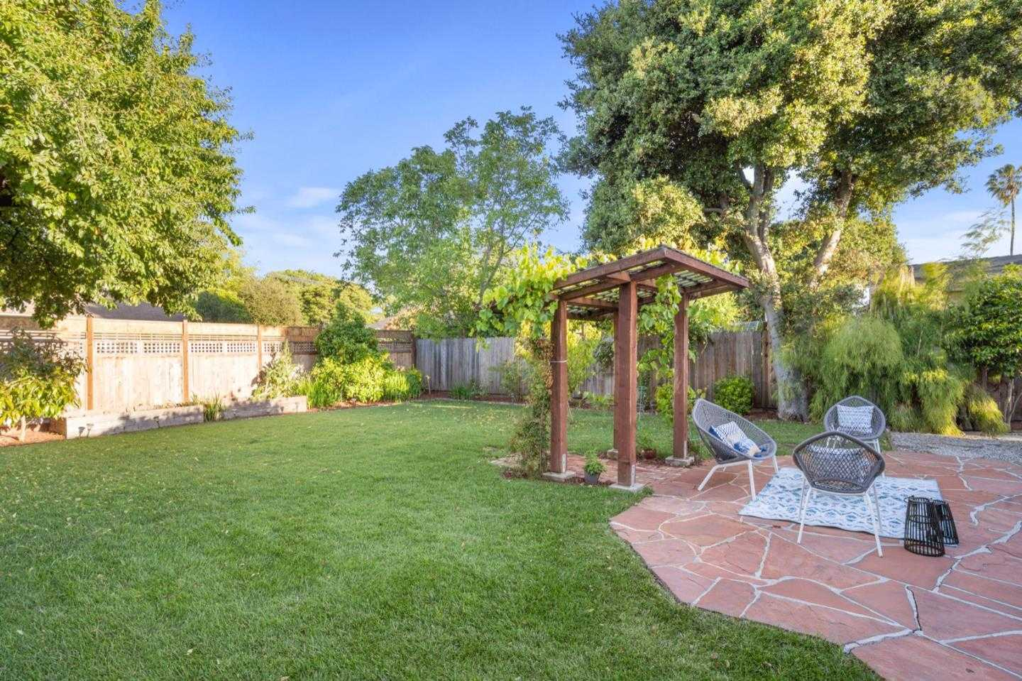 $1,375,000 - 2Br/2Ba -  for Sale in Menlo Park