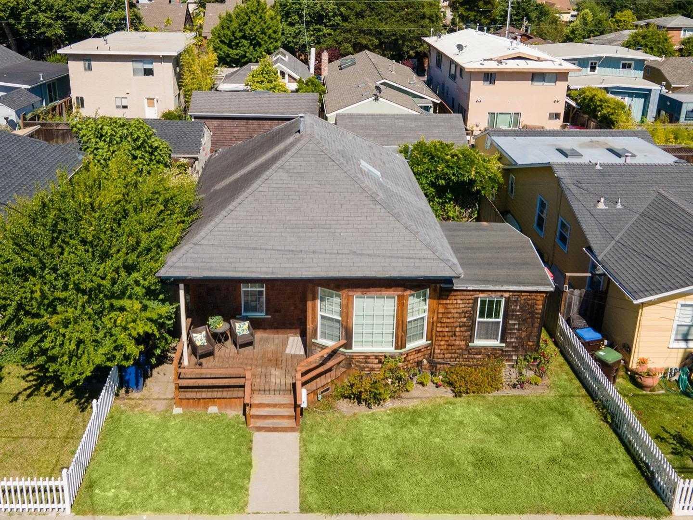 $899,000 - 4Br/3Ba -  for Sale in Santa Cruz