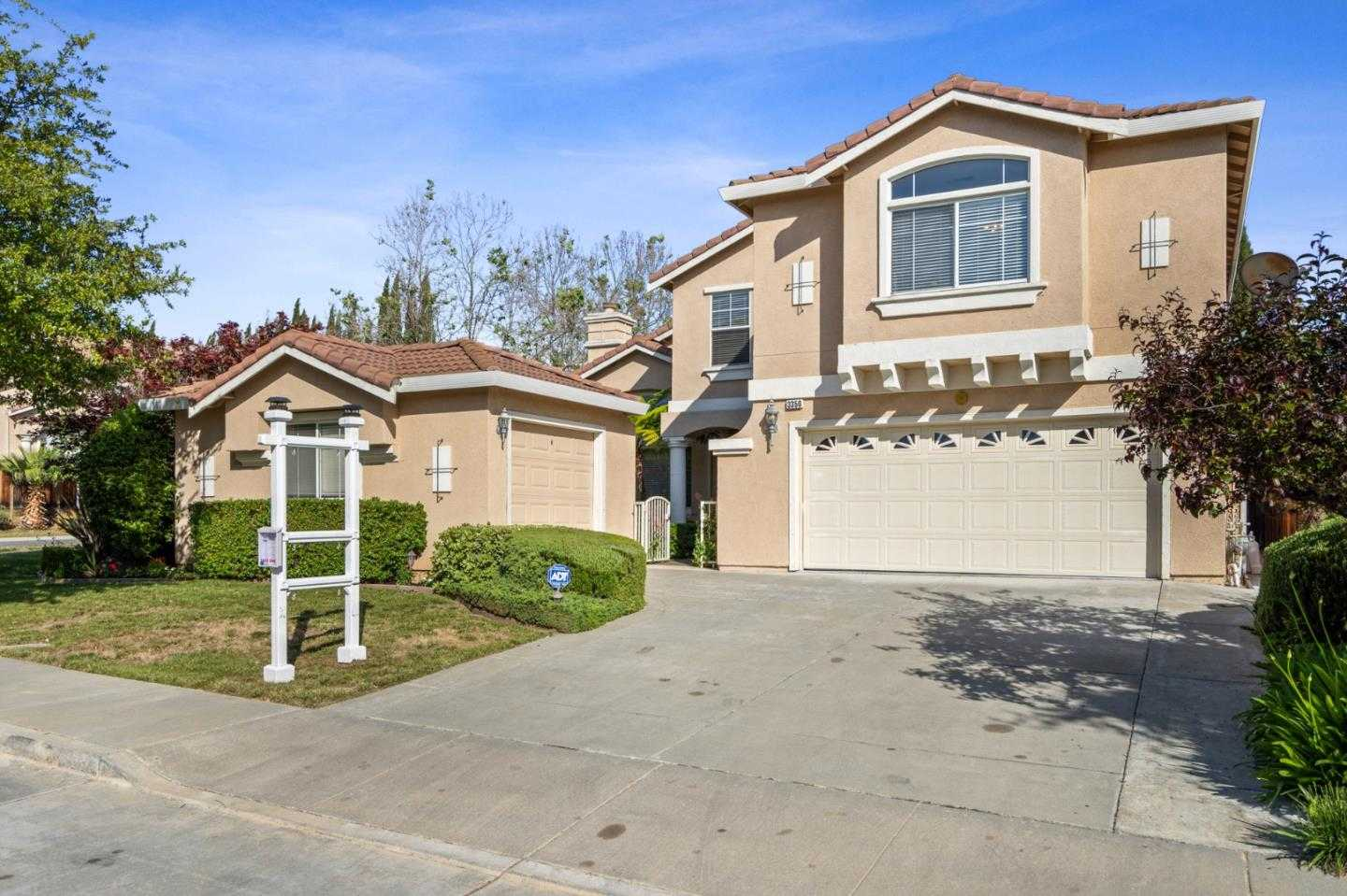 $1,868,000 - 4Br/3Ba -  for Sale in San Jose