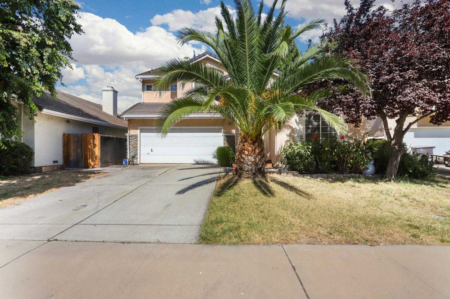 $460,000 - 4Br/3Ba -  for Sale in Tracy