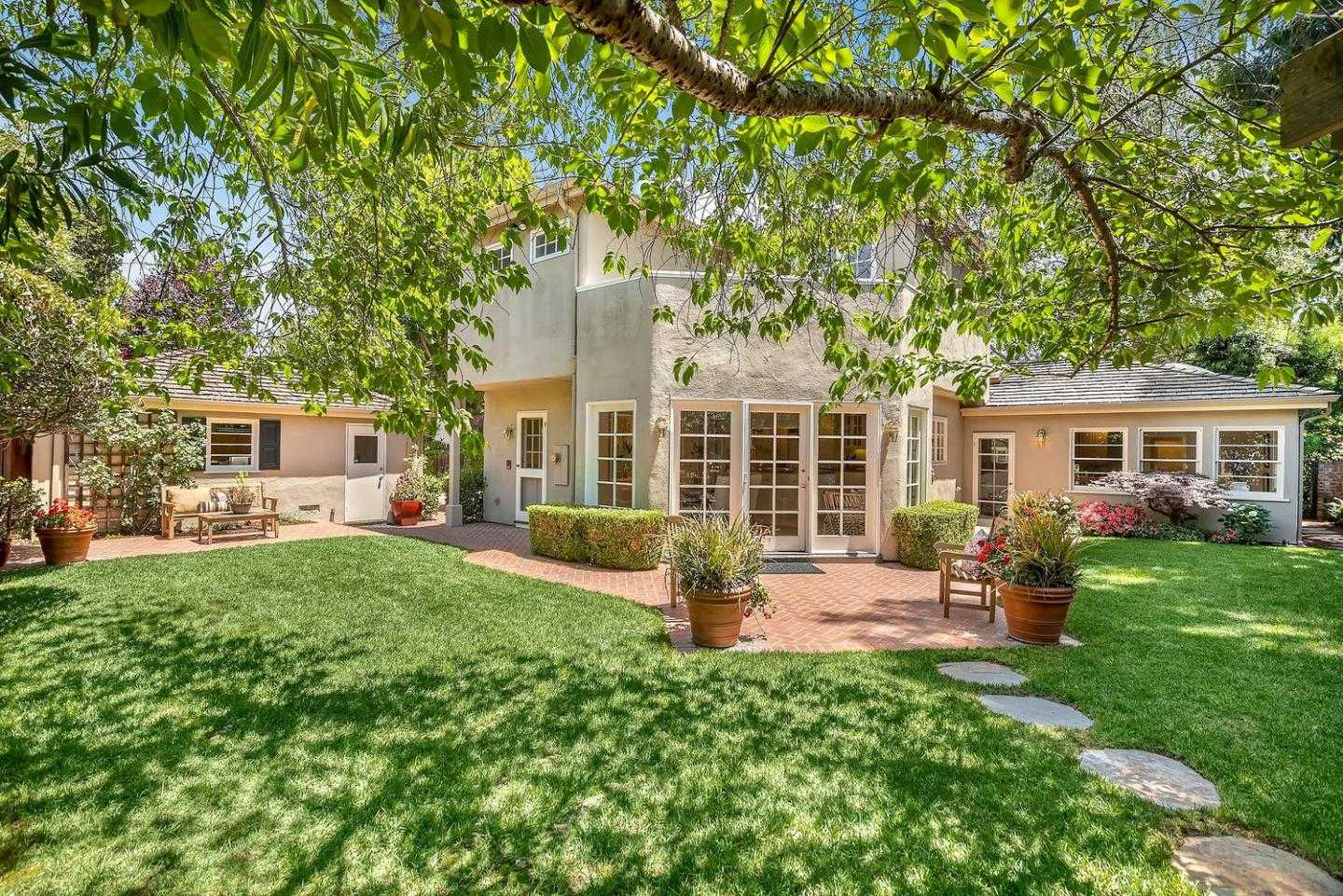 $5,750,000 - 5Br/4Ba -  for Sale in Palo Alto