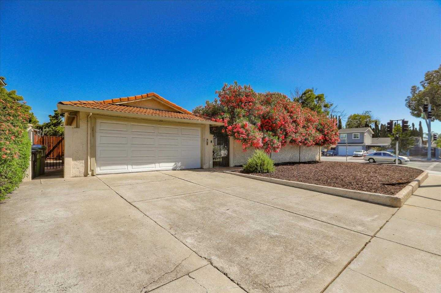 $999,888 - 3Br/2Ba -  for Sale in San Jose