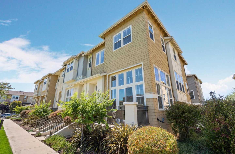$1,595,000 - 3Br/3Ba -  for Sale in Redwood Shores