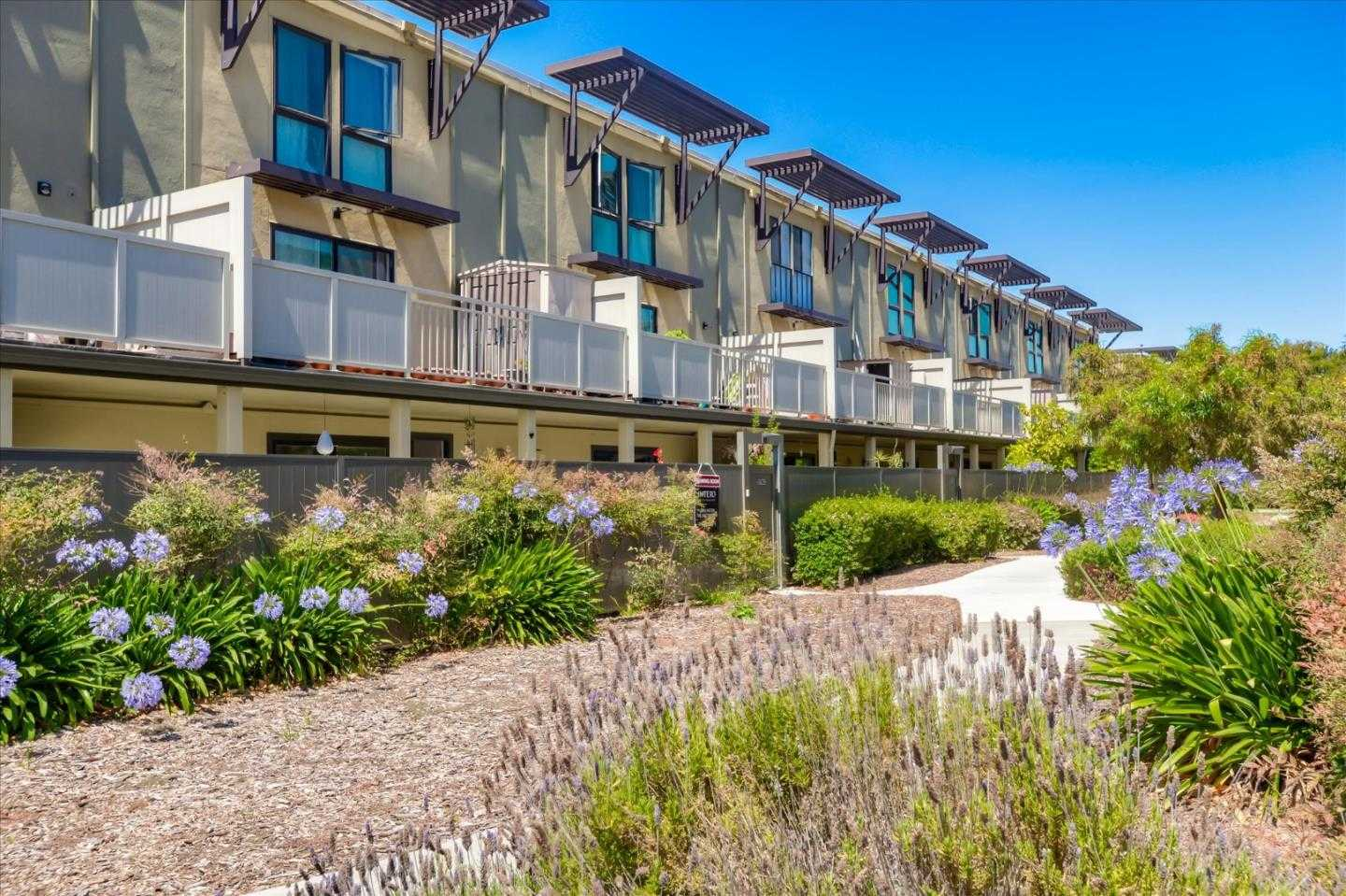 $938,888 - 3Br/2Ba -  for Sale in Foster City