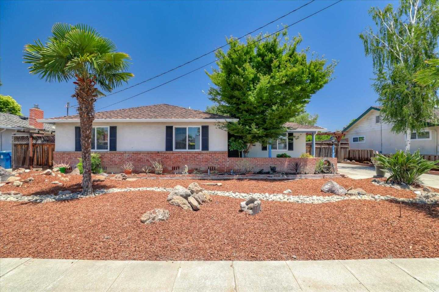 $899,999 - 3Br/3Ba -  for Sale in San Jose