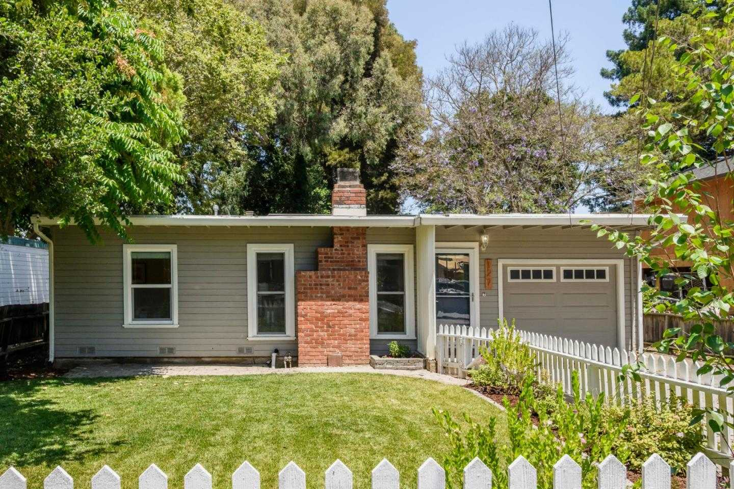 $995,000 - 2Br/1Ba -  for Sale in East Palo Alto