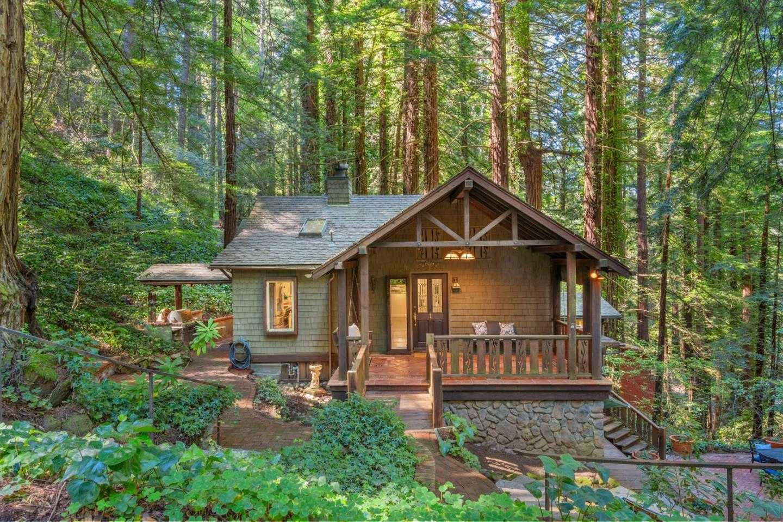 $1,648,000 - 4Br/4Ba -  for Sale in Woodside