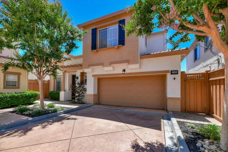 $1,598,800 - 4Br/3Ba -  for Sale in Santa Clara